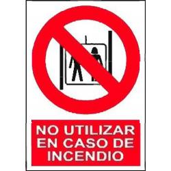 NO USAR EL ASCENSOR EN CASO...